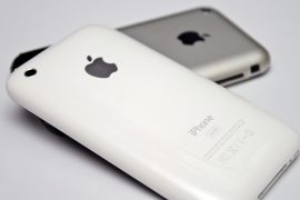 Original iPhone and iPhone 3G. The original one has iPhone 3.0 software for development purpose. Photo credit Yutaka Tsutano / Flickr.