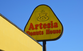 Artesia Donuts House.